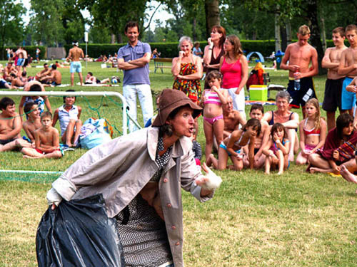 Wiener Strandbadtheater 'The Lucky Horror Football Show' (02).jpg